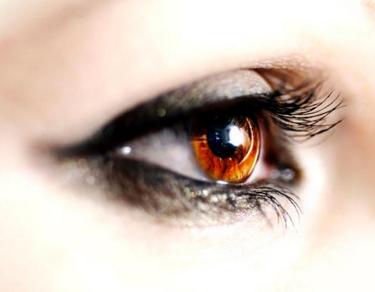 切开双眼皮的护理方法 拥有一双迷人电眼