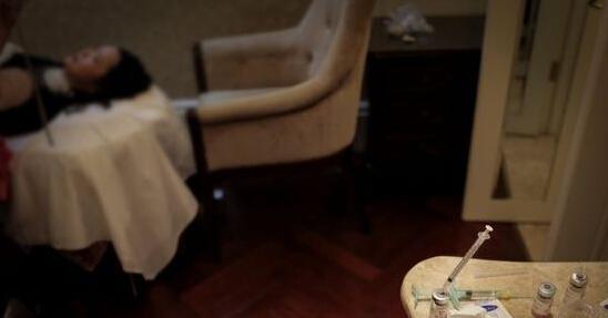 郑州天后整形医院宾馆内称韩国整容注射美白针 不但没有变白反而越来越黑