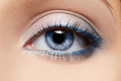 开内眼角的切口设计 打造灵动的双眼