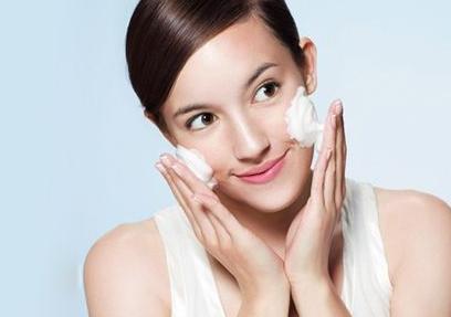 打完玻尿酸多久能洗脸