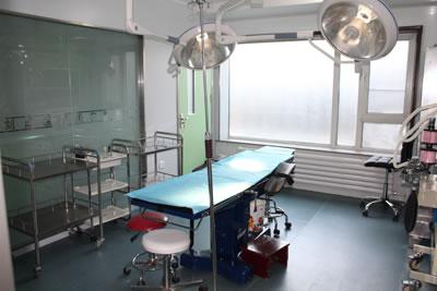 <a href='http://www.allmei.com/hospital/2375/index.html' target=_blank class=keylink>大连刘崴医疗美容整形医院</a>手术室