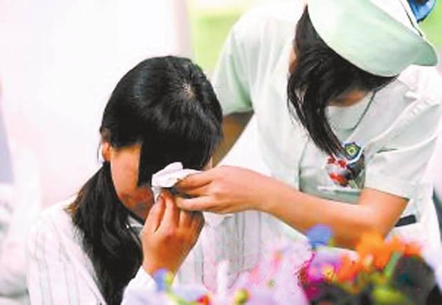北京长虹整形5年前隆的胸 5年后会跑路 奥美定的危害