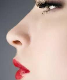 南京美健整形医院隆鼻的时候建议你垫下巴?原因就在这!