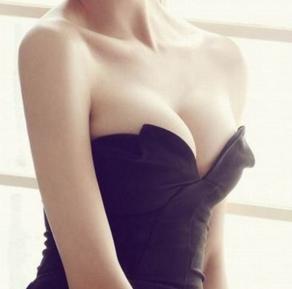 隆胸假体取出后的注意事项