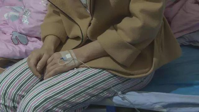 """北京海医悦美整形医院女子贷款整形 望通过手术""""改头换面"""