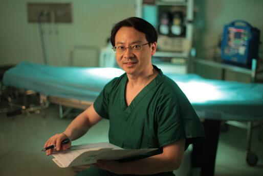 """上海交通大学医学院""""学院派""""博士后 整形团队创始"""