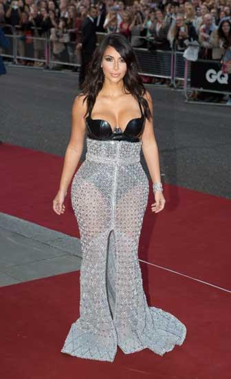 埃及男子出轨因妻子不愿整容成肥臀女星