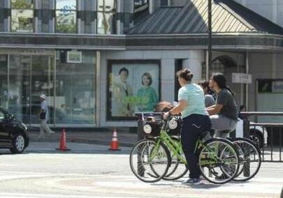 日本右翼媒体指责中国人骑行时不让行人