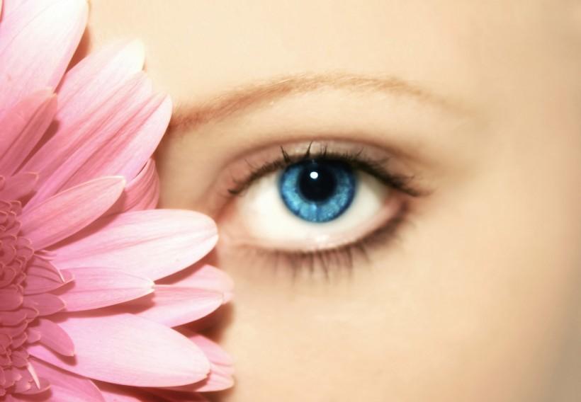 双眼皮修复手术的术后护理更重要