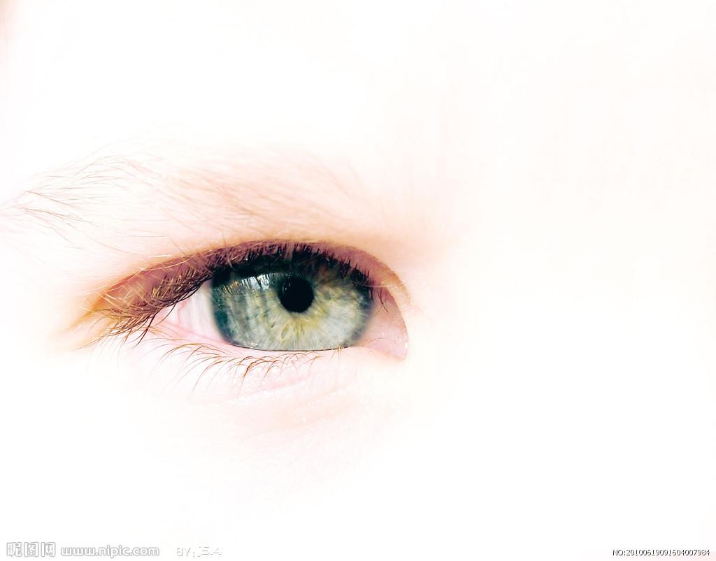 去眼袋手术还你魅力电眼
