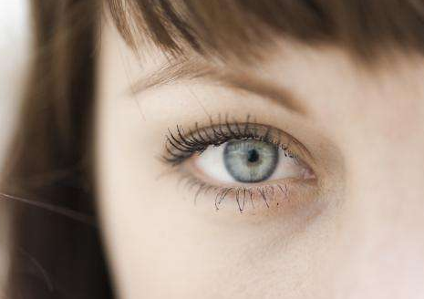 割双眼皮后多久能化妆