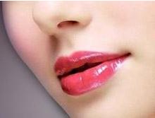 武汉富康激光医疗美容医院重唇矫正 打造完美唇型
