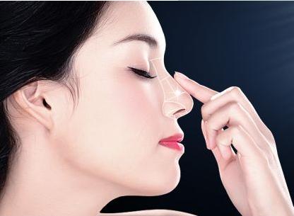 大庆孙显志硅胶隆鼻术后能保持多久