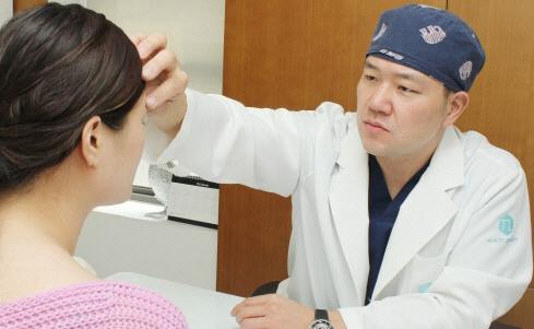 鼻部做整形成为人气项目 选择鼻部整形医院要谨慎