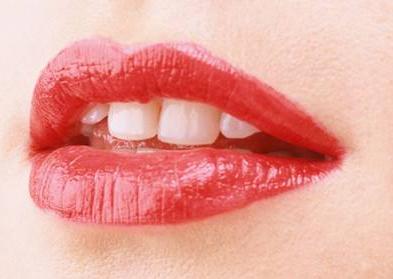 什么是重唇矫正术 会留疤吗