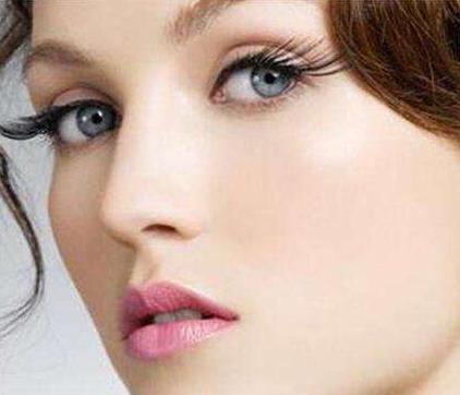 睫毛种植是永久的吗 有风险吗