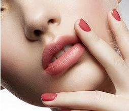 厚唇改薄多少钱 有风险吗