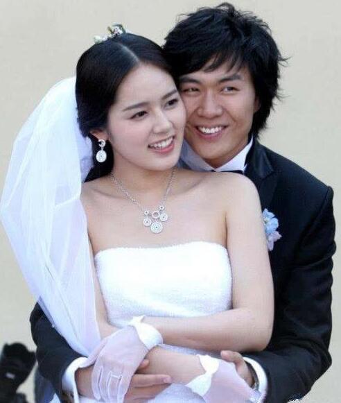 韩国明星韩佳人近照 36岁了美美的女性整容的范本