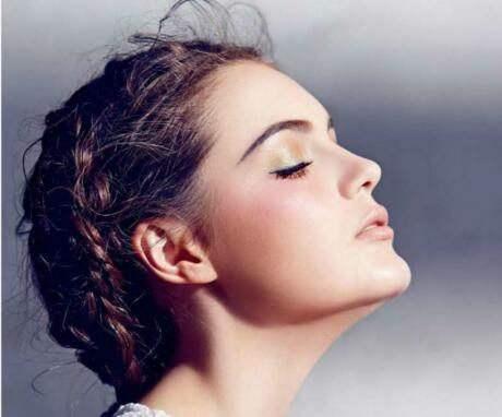 假体隆鼻多少钱 假体隆鼻后遗症