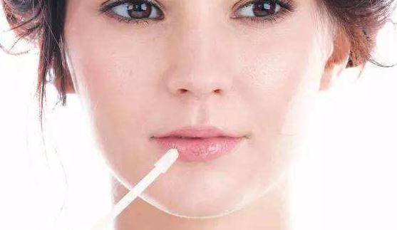 唇裂修复手术的最佳时机 万事具备只欠东风