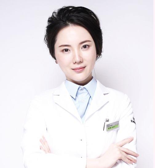 武汉亚韩整形医院谭琳
