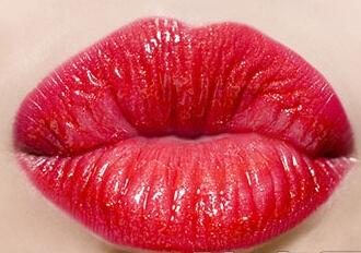 嘴唇太厚怎么变薄
