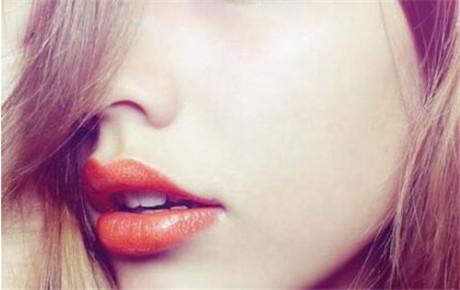 玻尿酸注射丰唇多久能看到效果 你和性感嘟嘟唇只要几分钟