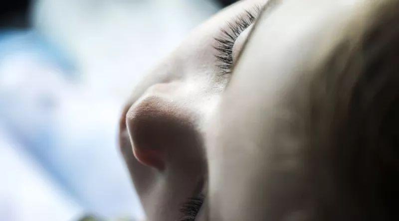 睫毛种植有什么优点?效果很自然不会留下印记