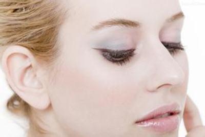 假体隆鼻后多久可以带眼镜 受术者需要恢复的过程