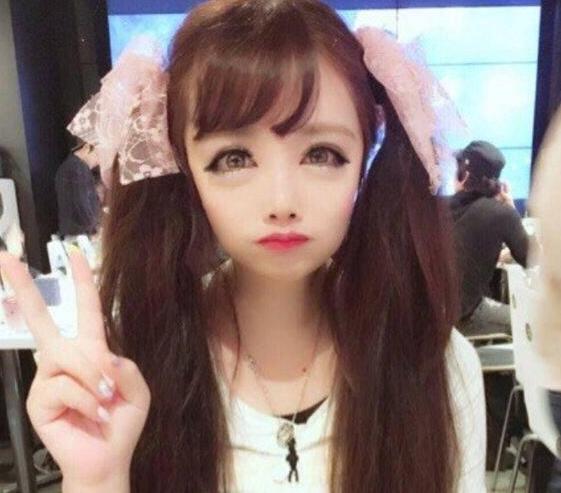 日本妹子340万整容8次变成动漫人物!眼睛是普通人的3倍大!