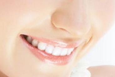 北京京韩医疗美容医院冷光美白牙齿案例