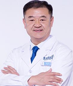 任职贵阳雍禾植发医院院长的韩岩