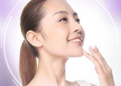 垫下巴方法 打造尖下巴让你更接地气