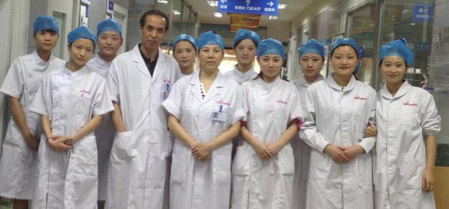 程宗玉院长带领的恒博植发一组的医生团队