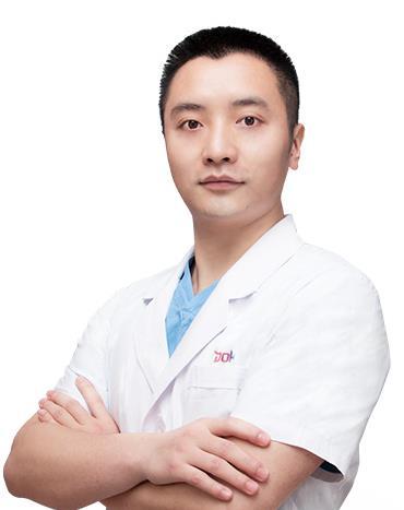 成都铜雀台整形医院刘文超