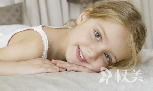 上海专家提醒:儿童牙齿地包天错过矫正较佳时期将影响孩子面相