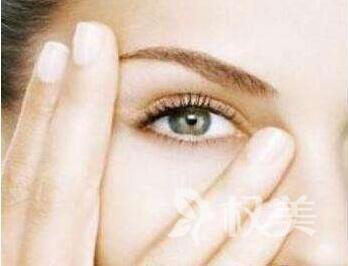 """上眼皮松弛下垂怎么办 上眼睑下垂矫正还原眼部""""睛""""彩"""