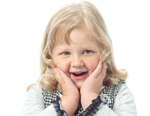 无论颜值高低 在父母眼中孩子都是最好的