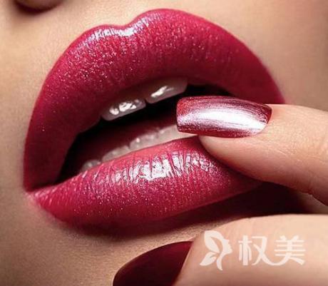 胶原蛋白丰唇多少钱 有副作用吗