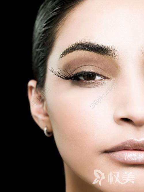 秃顶能治么 睫毛种植后的生长周期是多久