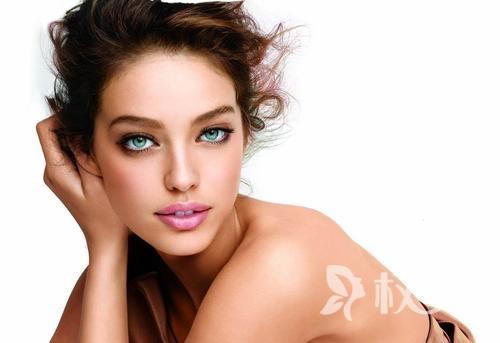 改善面部皮肤松弛有哪些生活小技巧 平时多吃什么对皮肤好