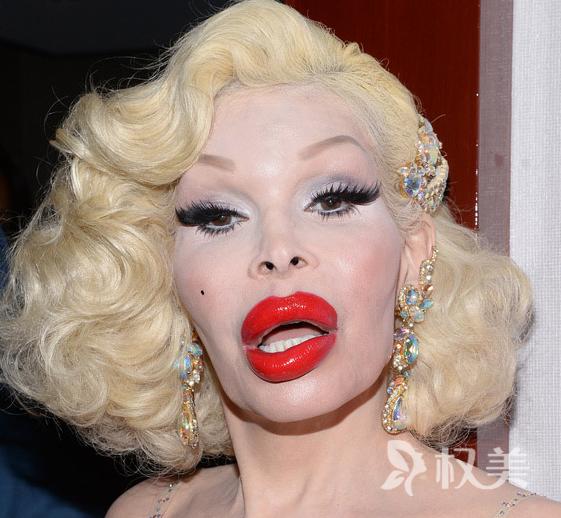 变性模特阿曼达·莱波雷花巨资做整形 粉丝们表示快不认识这位明星了