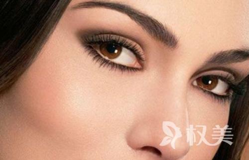 睫毛种植采用自身头发移植 效果更自然真实