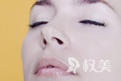 朝天鼻怎么整形 朝天鼻是鼻骨及鼻软骨发育不良的结果