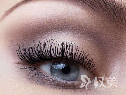 去除黑眼圈方法哪种好 青岛激光祛黑眼圈能维持多久