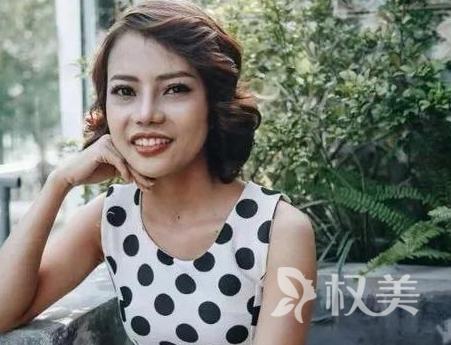 越南单身妈妈励志整容变白富美 简直惊为天人