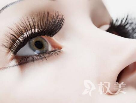 北京藝星植發醫院睫毛種植 做睫毛纖長的大眼女神