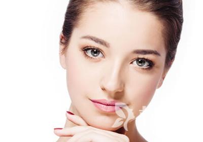 垫鼻子多少钱 重庆颜语美容整形医院假体隆鼻能维持多久