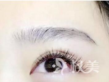 潍坊同齐整形医院半永久纹眉的特点  打造理想眉形