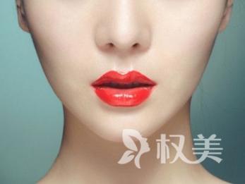 青岛集美整形医院双下巴吸脂手术好吗  多久才能恢复正常呢
